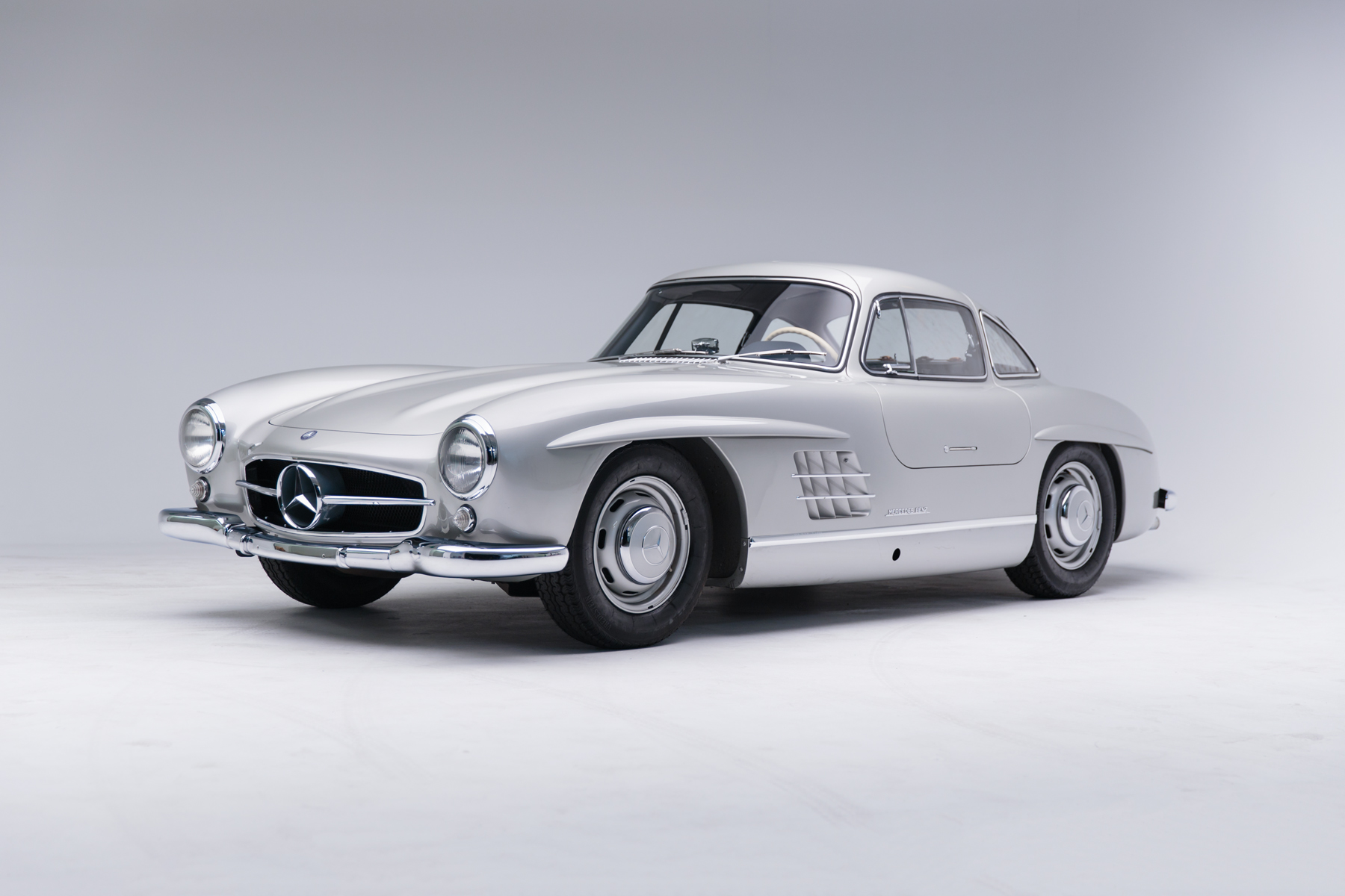1956_Mercedes-Benz_300_SL_Gullwing-41