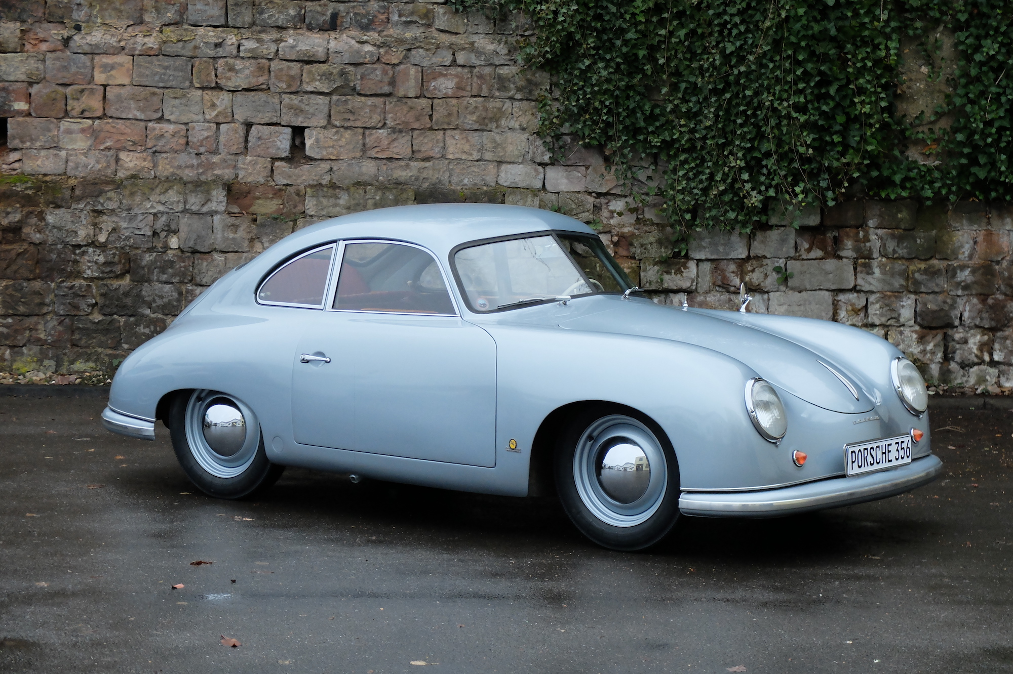 Artcurial R 233 Tromobile Auction 2018 Boasts With 13 World